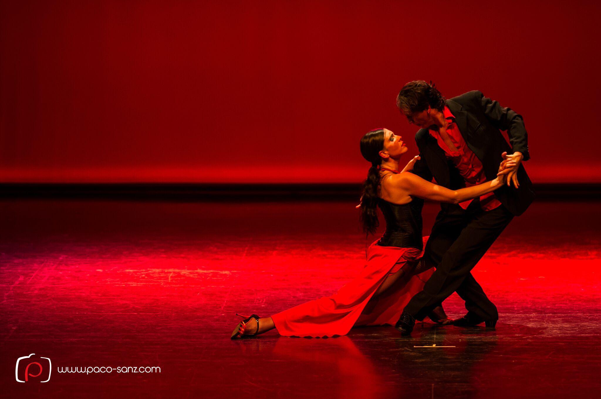 TANGO!! Una noche especial de Tango mit großer TANGOSHOW mit Milton y Romina